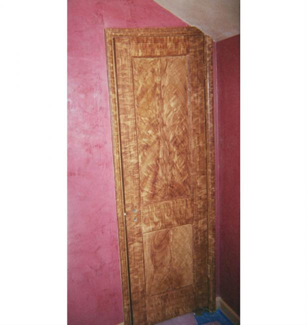 Faux Wood Graining Of Interior Door And Trim